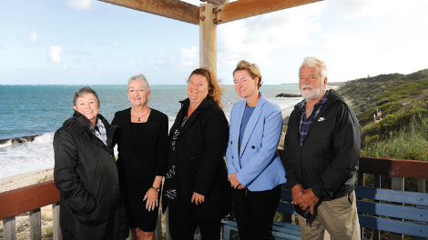 Mayor Tracey Roberts and Councillors Natalie Sangalli and Sonet Coetzee with community reference group members Vicki Jenkins and Rob Mason at Quinns Beach.