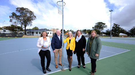 Member for Wanneroo Sabine Winton MLA, Councillor Brett Treby, Wanneroo Mayor Tracey Roberts, Deputy Mayor Natalie Sangalli and WDNA President Yvette Thomson at Kingsway.
