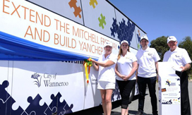 Mayor Tracey Roberts and Connect Wanneroo bus