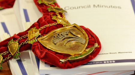Mayoral chain and council documents