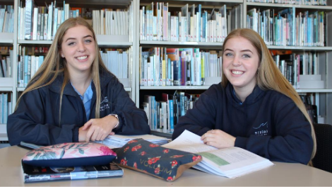 Mindarie Senior College Year 12 students Katie and Emilie Graham received Student Scholarships from City of Wanneroo in 2020.